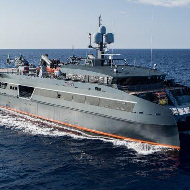 HODOR: Luxury Support Catamaran in French Polynesia 001