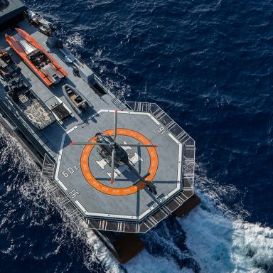 HODOR: Luxury Support Catamaran in French Polynesia 002