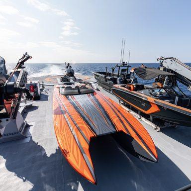 HODOR: Luxury Support Catamaran in French Polynesia 004