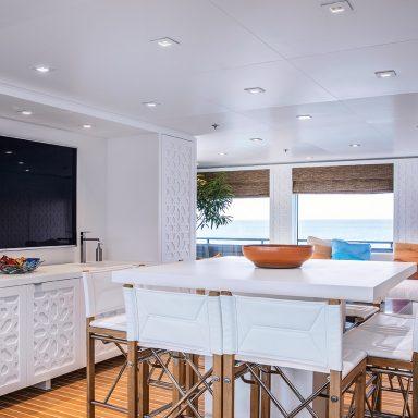 HODOR: Luxury Support Catamaran in French Polynesia 006